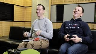Games mit Ellbogen, Fuss oder Atem spielen (Artikel enthält Bildergalerie)