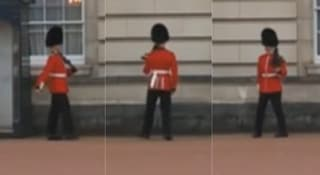 Tanzender Queen-Wachmann: Gefängnis für diese Pirouette?