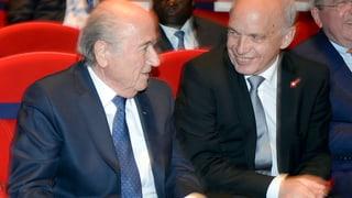 Maurer kritisiert Fifa, aber stützt Blatter