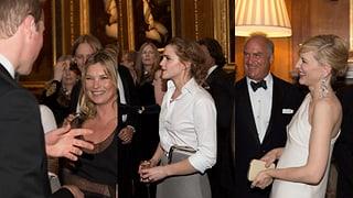 Prinz William: Umringt von drei Grazien