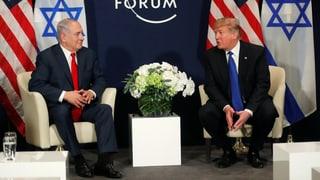 In Davos hat der US-Präsident erste Gespräche geführt. Er bemühte sich um versöhnliche Töne, drohte aber auch.
