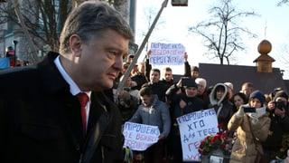 Buhrufe für Poroschenko an Maidan-Gedenken