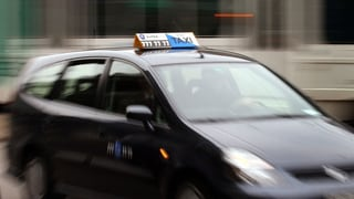 Taxis bringen neu Post-Päckli am Sonntag: Was halten Sie davon?