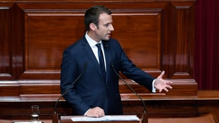 Macron vul via radicala
