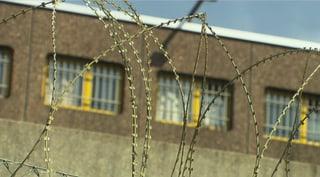 Hungertod eines Häftlings: Diskrepanz in der Rechtsordnung