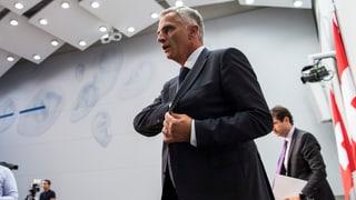 Didier Burkhalter ist noch bis Oktober für das Europadossier zuständig. Am Verhandlungsmandat des Bundesrates ändert bis Anfang Herbst nichts.