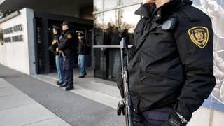 Polizia tschertga vinavant terrorists suspectads a Genevra