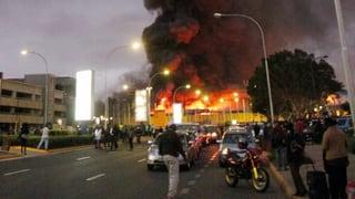 Feuersbrunst legt Flughafen von Nairobi lahm - Ursache unbekannt