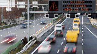 Lichtpflicht im Verkehr bleibt – Raserstrafnorm auf der Kippe