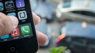 Grosser Druck auf Uber – Suva und AHV verlangen vom App-Fahrdienst Sozialversicherungsabgaben.