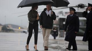 Überflutete Strassen, geschlossene Flughäfen, evakuierte Spitäler: Sturm «Harvey» stürzt die texanische Millionenmetropole Houston ins Chaos.