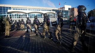 Polizisten müssen sich an Grossprozess verantworten