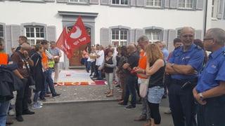 Landrat beschliesst Rentenkürzung - Lehrer stimmen über Streik ab