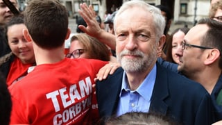 Labour rückt nach links: Corbyn ist neuer Oppositionsführer