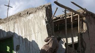 Passa 400 morts suenter il terratrembel en il Hindukusch
