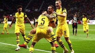 Dortmund dreht das Spiel und ist Tabellenführer