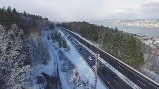 Mit Beginn der Schneefälle gab es viel Blechschaden auf Schweizer Strassen. Auf der A3 kam es gar zu einer Massenkarambolage.