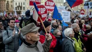 20'000 Menschen demonstrieren gegen Tschechiens Regierungschef