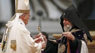Papa discurra da genocid