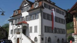 Kantonsrat Obwalden ringt um Finanzstrategie