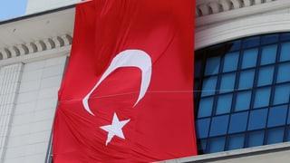 Türkischer Premier in Bedrängnis: Entscheiden werden die Wähler
