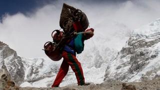 Sherpas kämpfen um Entschädigung