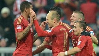 Bayern München fertigt HSV mit 9:2 ab