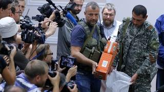 Pro-russische Separatisten übergeben Flugschreiber