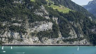 Neues Seetaxi wegen Felsräumung ob der Axenstrasse