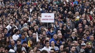 Rückschlag für schwule und lesbische Paare in Italien