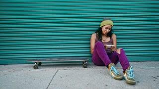Weniger Drogenkonsum und Schlägereien – dank Smartphones?