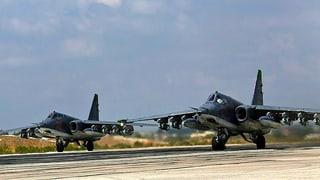 Russische Kampfjets bombardieren dutzende Ziele in Syrien
