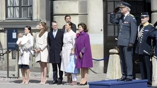 Kanonenschüsse zum Geburtstag - Carl Gustaf wird 69