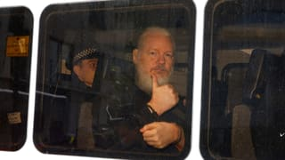 Julian Assange in London schuldig gesprochen