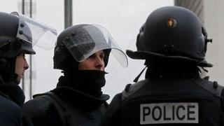 Massives Polizeiaufgebot am Klimagipfel in Paris