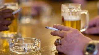 Es bleibt dabei: Keine Plakatwerbung für Tabak und Alkohol