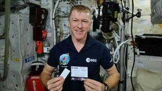 Ab die Post ins Weltall – Schweizer Schoggi für Astronauten