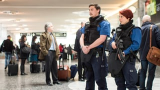 Flughafen Zürich nach Terror-Attacken: Polizei markiert Präsenz