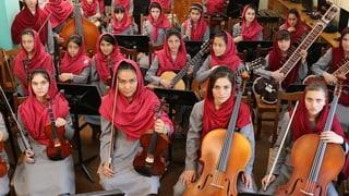 In Davos zu spielen ist leicht – in der Heimat weniger: Zarifa Adiba und das Frauenorchester Zohra trauen sich dennoch, in Afghanistan zu musizieren.