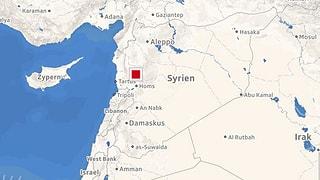 Am Sonntagabend trafen zahlreiche Raketen iranische Stützpunkte in Syrien. Dahinter wird Israel vermutet.