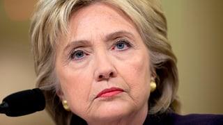 Hillary Clinton sa defenda