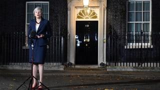 Weisser Rauch über der Downing Street