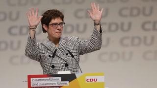 Kramp-Karrenbauer ist neue CDU-Parteichefin