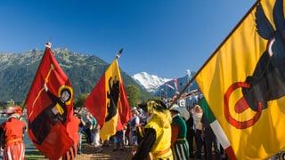 Video «Potzmusig unterwegs - Festumzug Unspunnenfest Interlaken 2017» abspielen