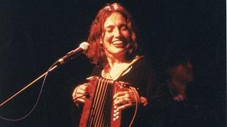 La carriera da solista è lantschada (1992 - 2000) (Artitgel cuntegn video)