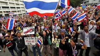 Demonstranten in Thailand belagern weitere Ministerien