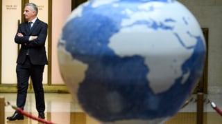Geld sammeln für ein gutes Gewissen? Der diplomatische SRF-Korrespondent Fredy Gsteiger erklärt, warum das mehr als Symbolbolitik ist.