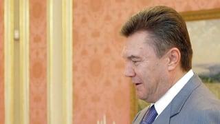 Schweiz will mögliche Gelder von Janukowitsch sperren
