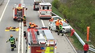 Autostrada serrada pervi d'in accident