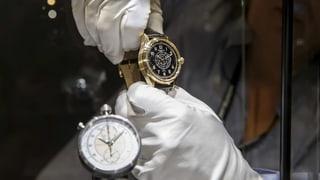 Weniger Industriewaren, aber mehr Uhren exportiert